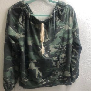 G stage love Camouflage top